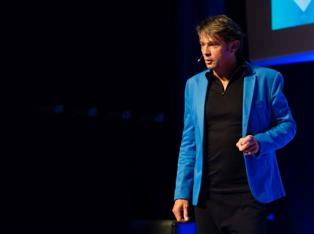 Maarten Schafer - Inspirational Speaker - CoolBrands - Author - Reputation Economy - Marteen Martin